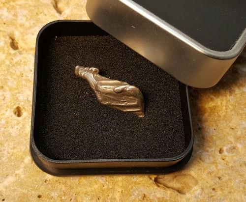 Meteorit Alibra als Geschenk