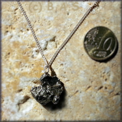 Meteoriten Anhänger Kat B