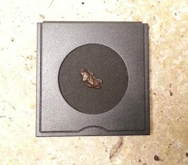 Meteorit kaufen, Sternschnuppe XXS bestellen. Mit Zertifikat und Geschenkbox